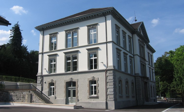 Aussen_Schulhaus_2